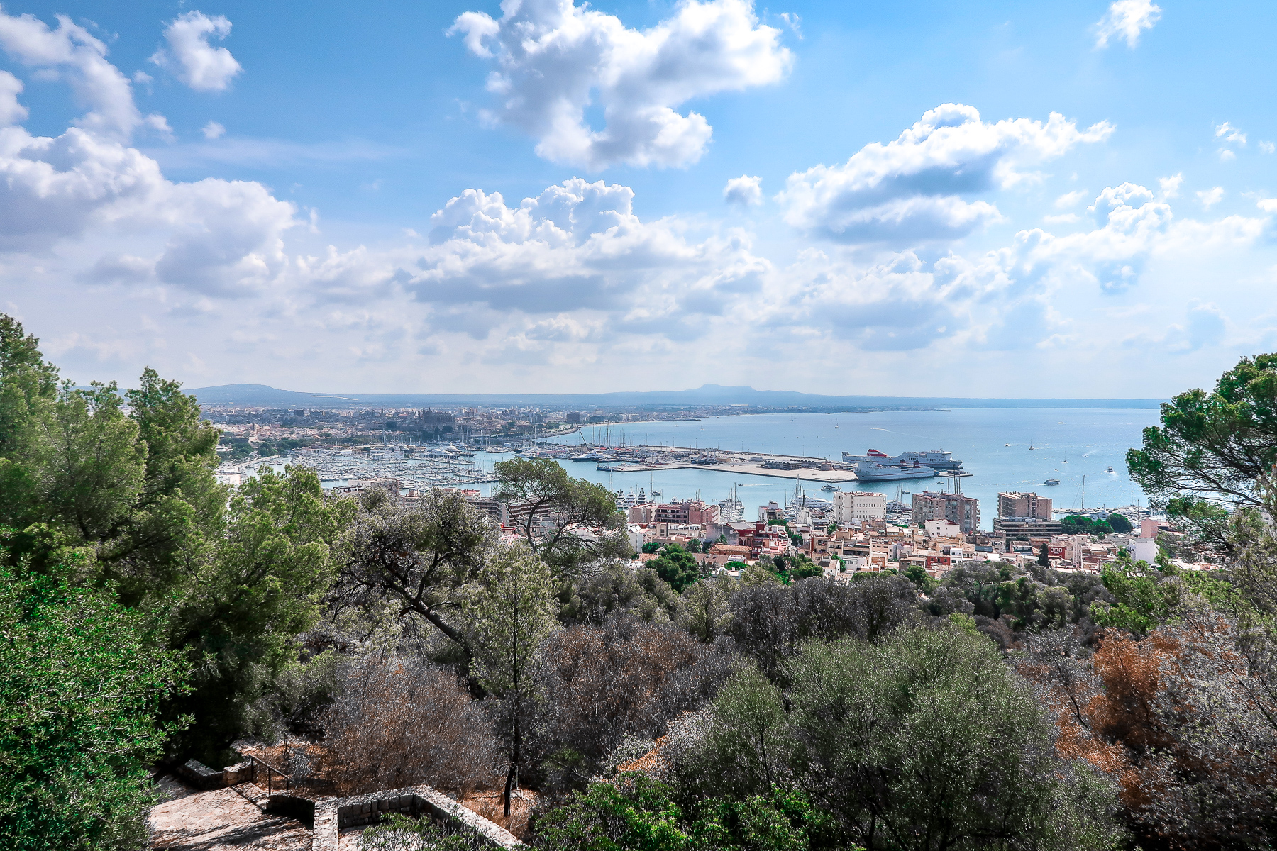 Castle View | How to spend 6 hours in Palma Mallorca | Travel Guide | Elle Blonde Luxury Lifestyle Destination Blog