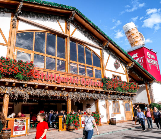 Cannstatter Wasen Volkfest | Oktober Fest | What to do when visiting Stuttgart for the first time | Germany travel guide | Elle Blonde Luxury Lifestyle Destination Blog