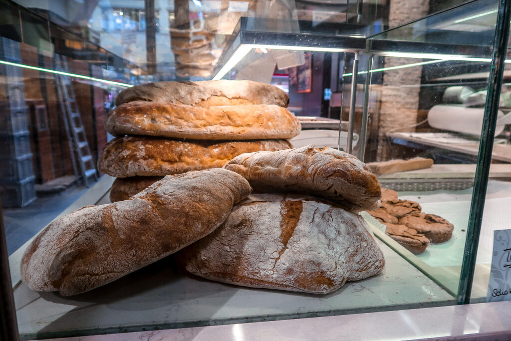 Bread | Covered Market | What to do when visiting Stuttgart for the first time | Germany travel guide | Elle Blonde Luxury Lifestyle Destination Blog