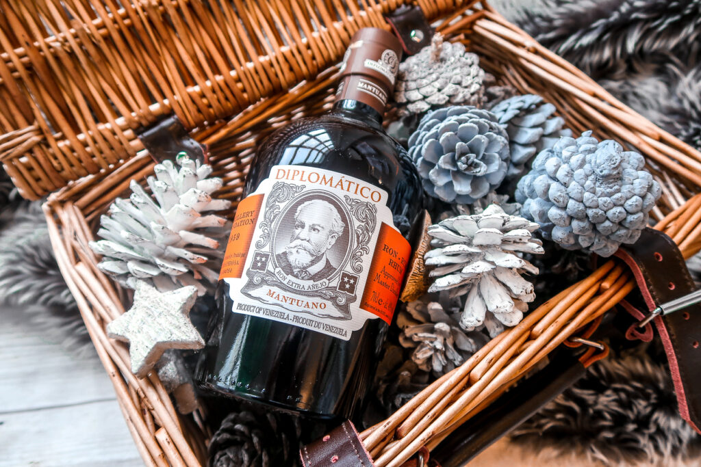 Gift Guide for a Boozy 'Merry' Christmas 8