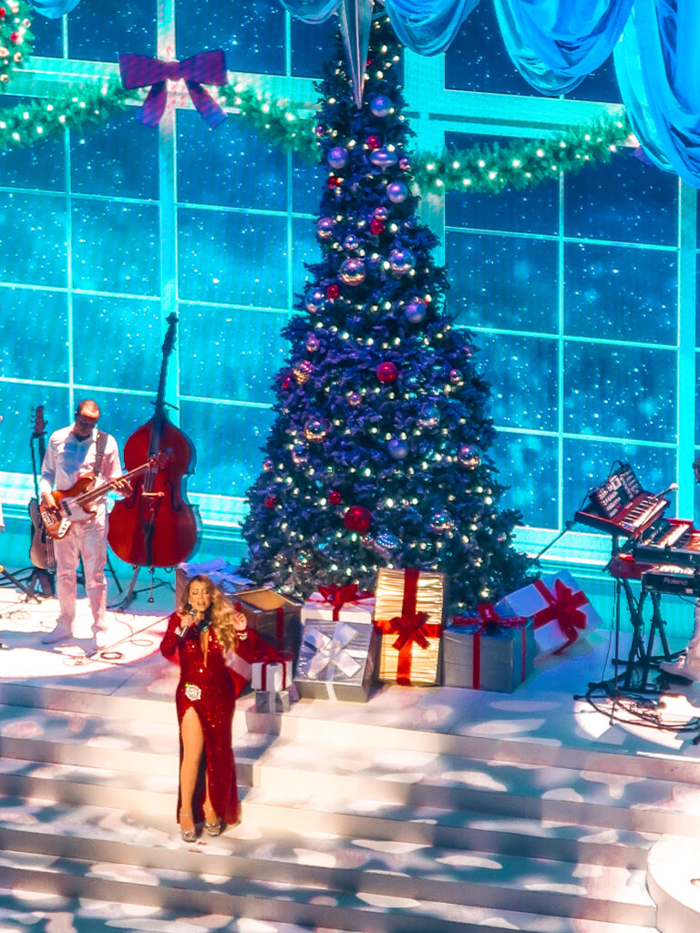 Mariah Carey Christmas Show at Caesars | 7 Night Itinerary for Las Vegas | If you're looking to plan things to do in Vegas here's what we got up to on our 6th visit | Travel Tips | Elle Blonde Luxury Lifestyle Destination Blog