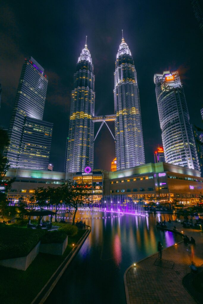 Twin Towers | Visiting Malaysia | 6 Things to do when visiting the South East Asian Country | Travel Guide | Elle Blonde Luxury Lifestyle Destination Blog