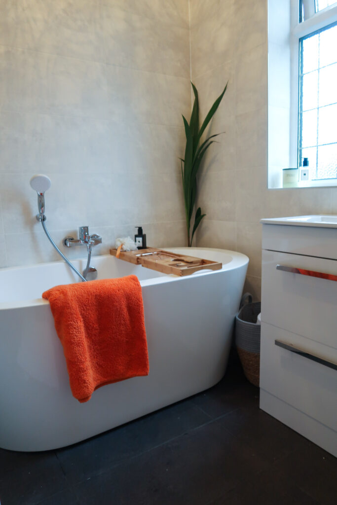 Can You Renovate A Small Bathroom To Look Luxurious? 6