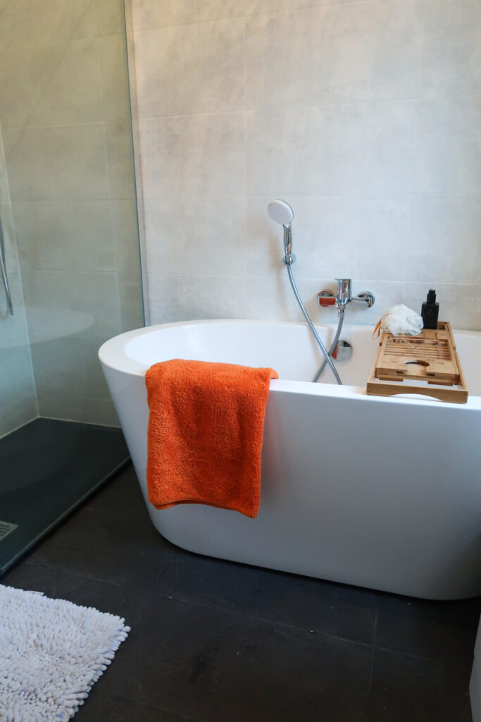Can You Renovate A Small Bathroom To Look Luxurious? 14