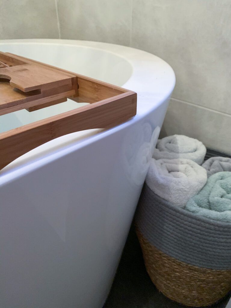 Can You Renovate A Small Bathroom To Look Luxurious? 2