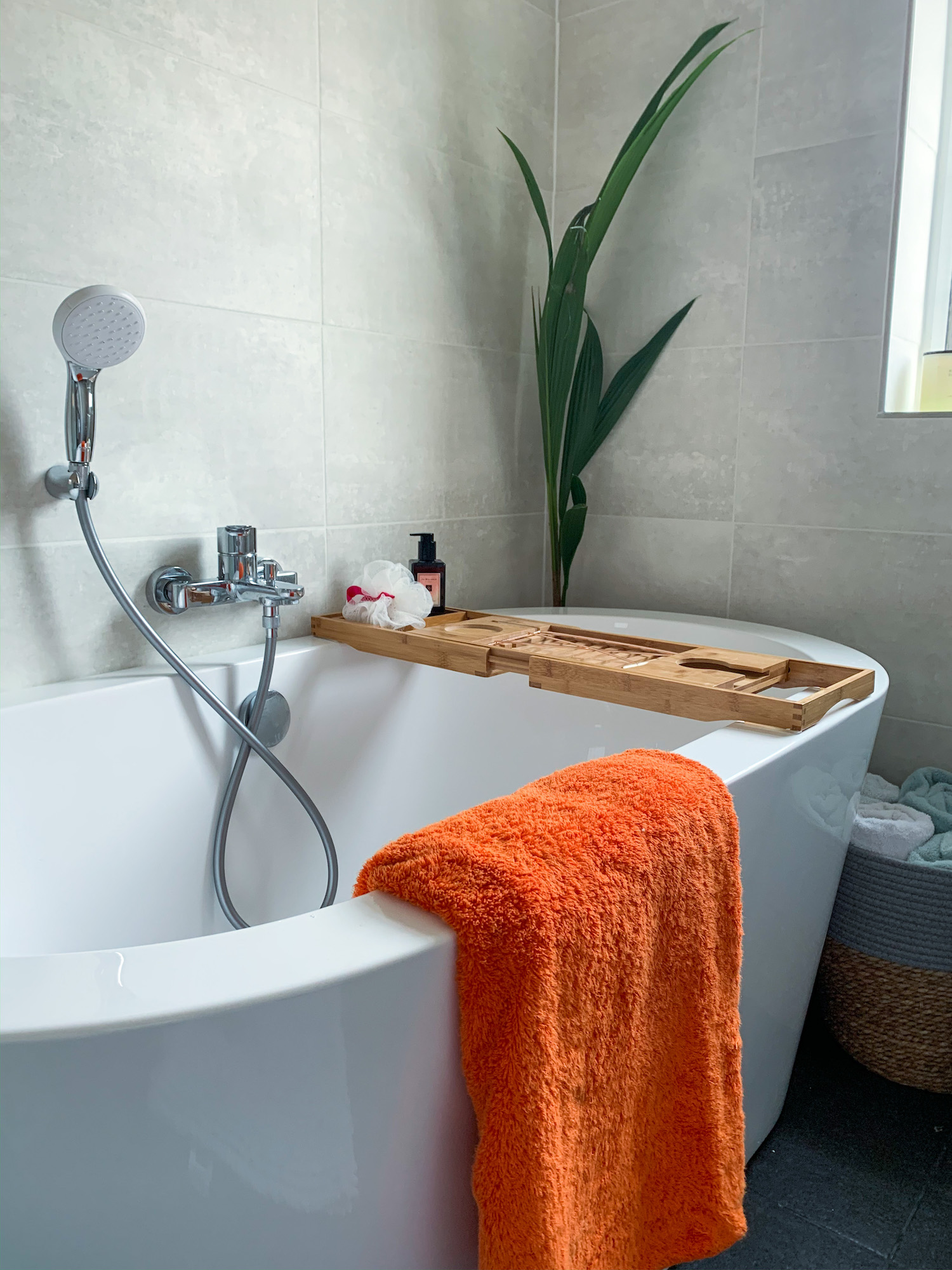 How to create a luxury hotel like bathroom in a small space | Bathroom Renovation | Elle Blonde Luxury Lifestyle Destination Blog