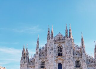 Milan Cathedral Duemo 8 things you must see and do in Milan. Italy | Travel Guide | Elle Blonde Luxury Lifestyle Destination Blog