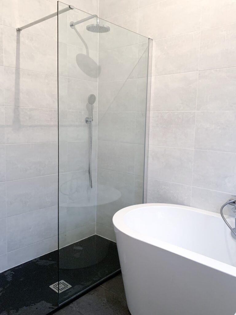 Can You Renovate A Small Bathroom To Look Luxurious? 10