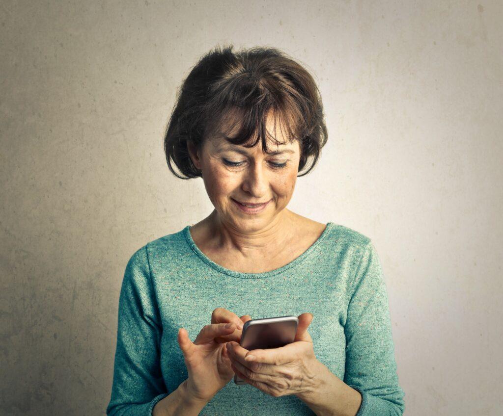 Teaching the elderly to use technology during Coronavirus | Elle Blonde Luxury Lifestyle Destination Blog
