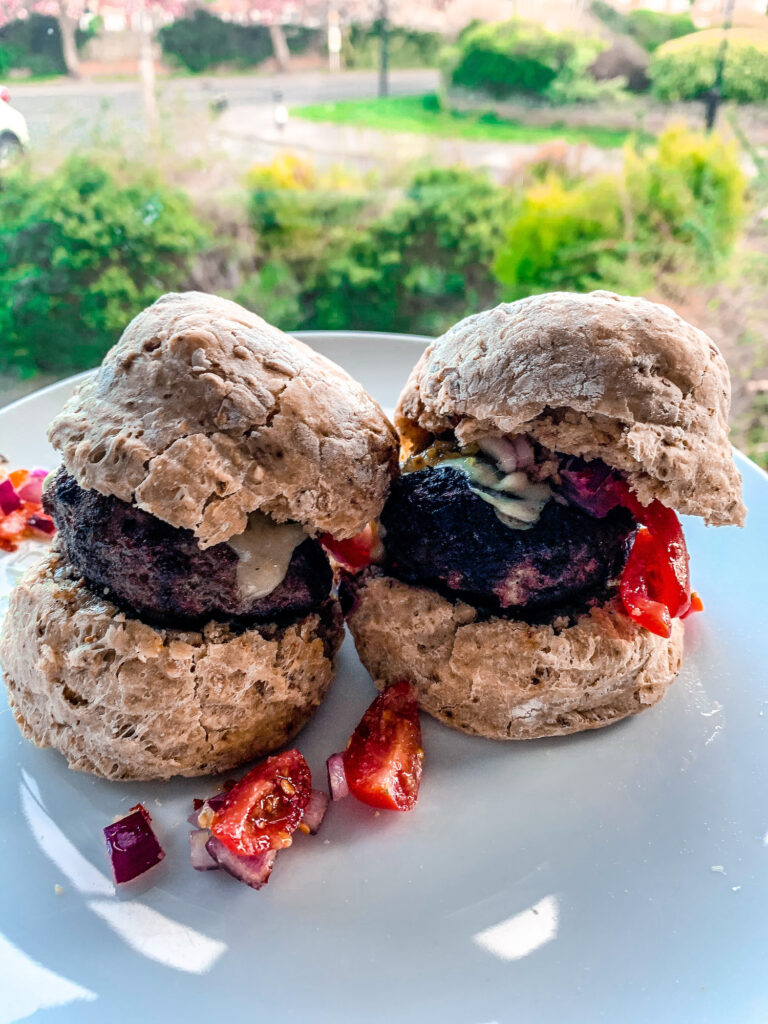 Homemade Turkey Burgers Recipe | Nutritional Information Facts | Quarantine Homemade Left Over Cupboard Store Item Recipes | Elle Blonde Luxury Lifestyle Destination Blog