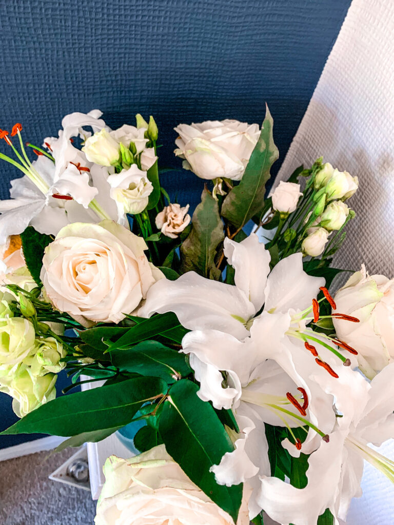 Moonpig Fresh Flower Bouquets Discount Code - Roses & Lilies Review | Gifts | Elle Blonde Luxury Lifestyle Destination Blog