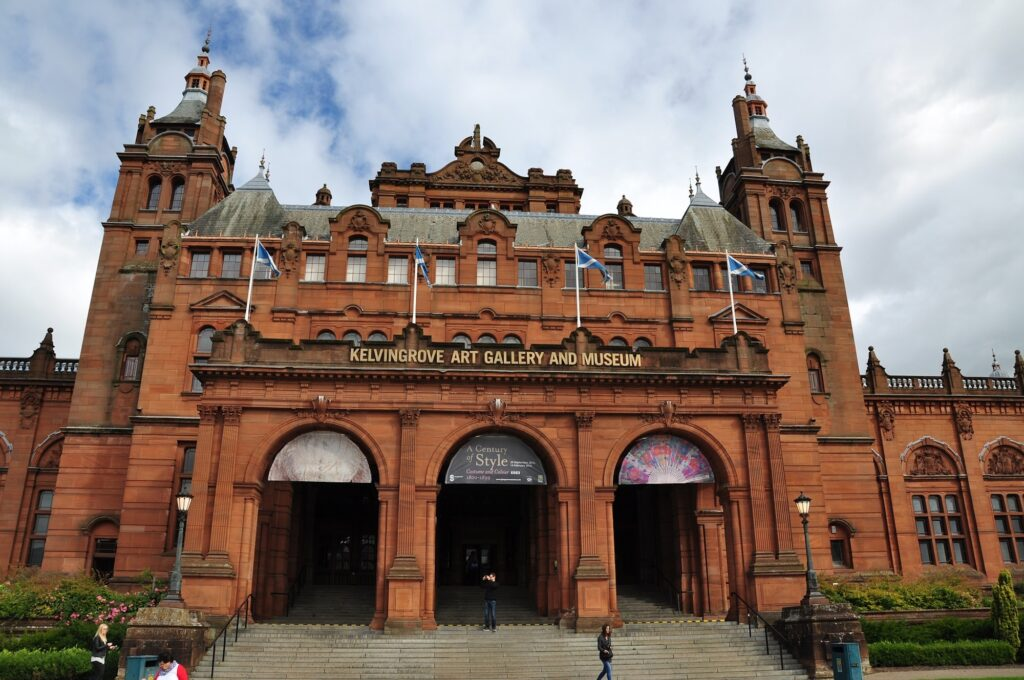 Kelvingrove Museum | Visit Glasgow, one of Scotland's most vibrant and exciting cities | 4 Things to see and do on your UK Staycation | Travel Guide & Tips | Elle Blonde Luxury Lifestyle Destination Blog