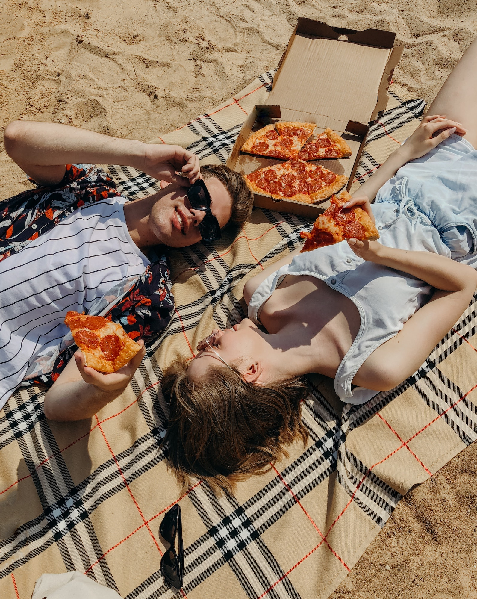 Relationship Healthy | 3 Tips For Finding The Perfect Relationship Online With Dating Apps | Elle Blonde Luxury Lifestyle Destination Blog