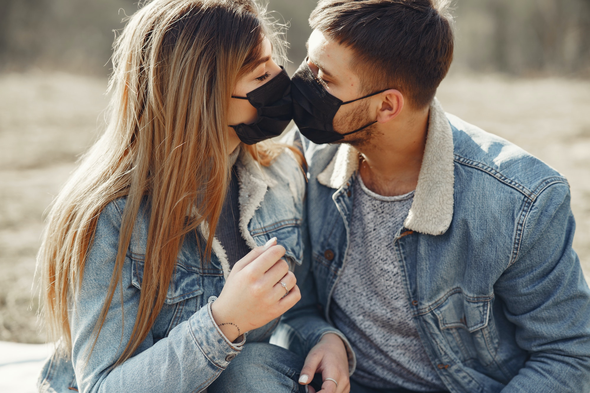 3 Tips For Finding The Perfect Relationship Online With Dating Apps | Elle Blonde Luxury Lifestyle Destination Blog