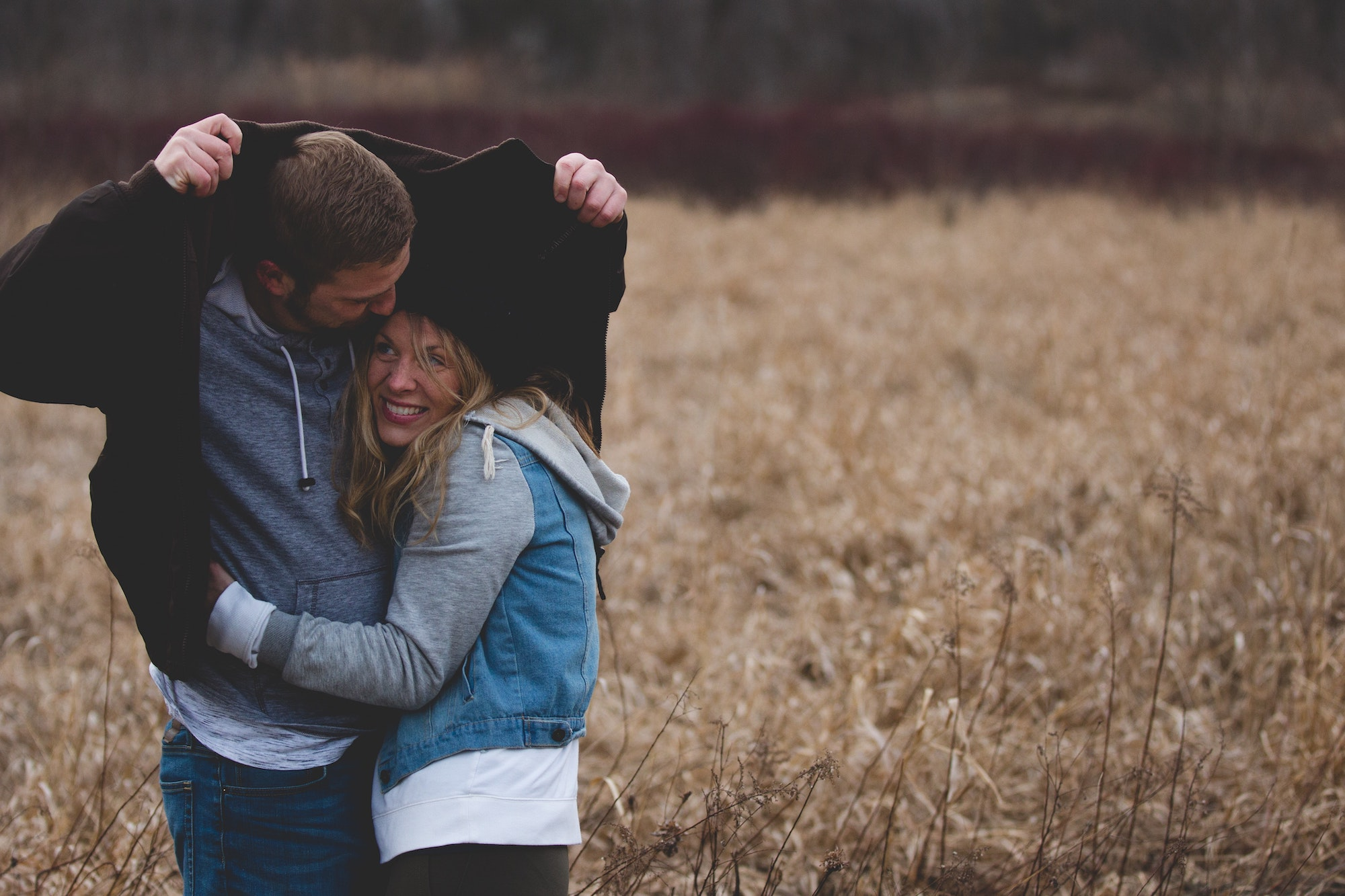 Can online intimacy replace physical intimacy? We look at online dating | Elle Blonde Luxury Lifestyle Destination Blog
