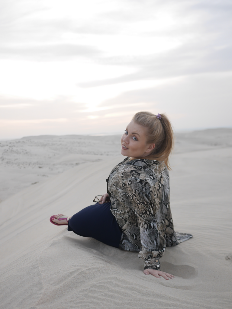 Desert Safari | Visit Qatar | Doha, the capital of Qatar is located in the Middle East and the World Cup 2022 location. Find out how I spent 4 days on my visit to Qatar | Travel Guide & Tips | Elle Blonde Luxury Lifestyle Destination Blog