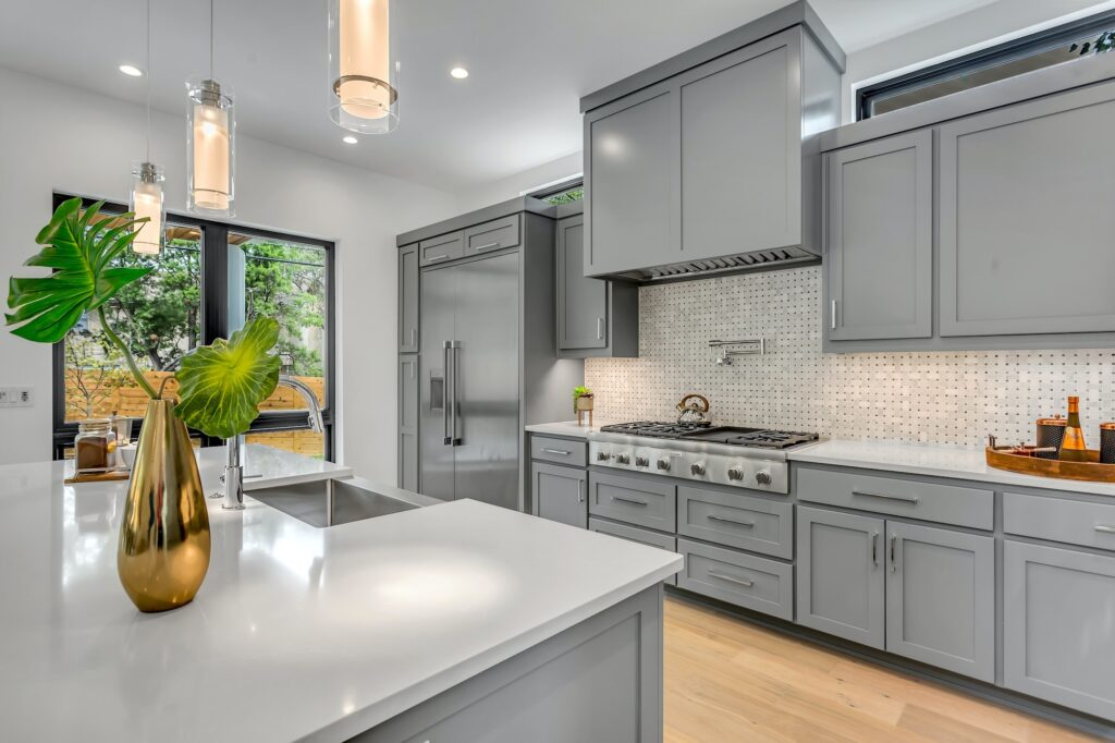 Selling your home | Changing your kitchen cabinets | Home Interiors | Elle Blonde Luxury Lifestyle Destination Blog