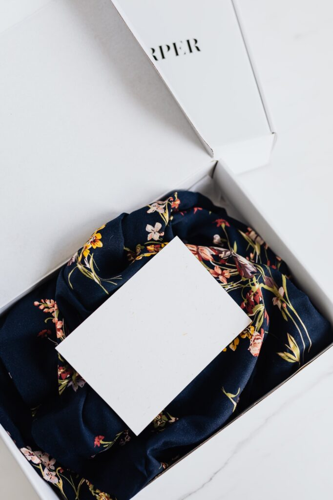 Custom Packaging 101: Design Features & Types of Packaging | Elle Blonde Luxury Lifestyle Destination Blog