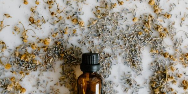 The Benefits and Side Effects of CBD Oil | Beauty | Elle Blonde Luxury Lifestyle Destination Blog
