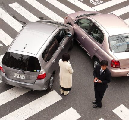 Here's How to Handle a Car Accident Properly | Car Blog | Elle Blonde Luxury Lifestyle Destination Blog