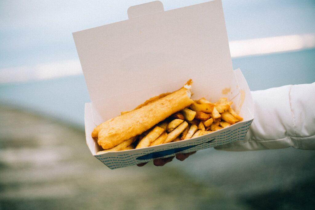 Fish & Chips - Best British Dishes   Food & Drink   Elle Blonde Luxury Lifestyle Destination Blog