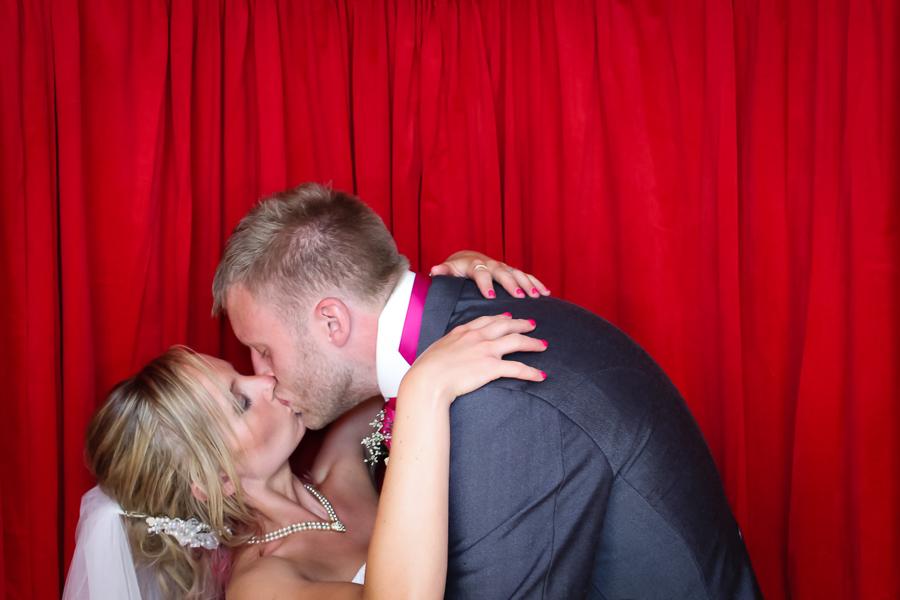 koop arponen and his bride cordelia in the photo booth