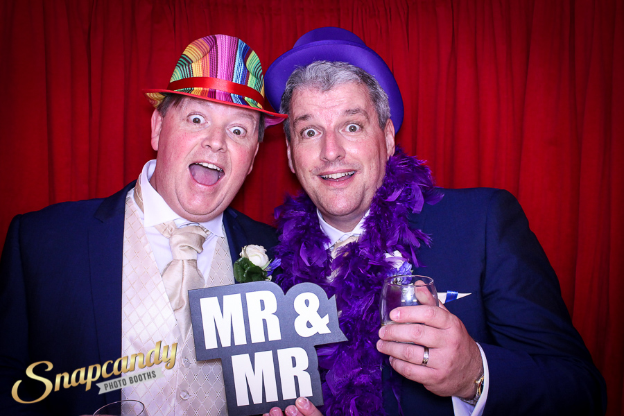 mr and mr wedding photo booth