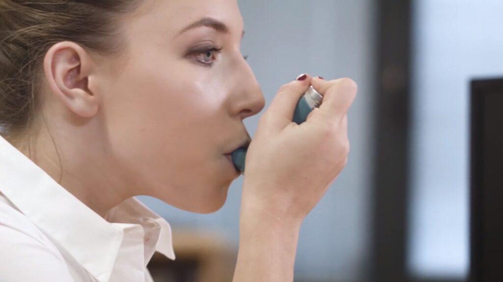 Women with inhaler