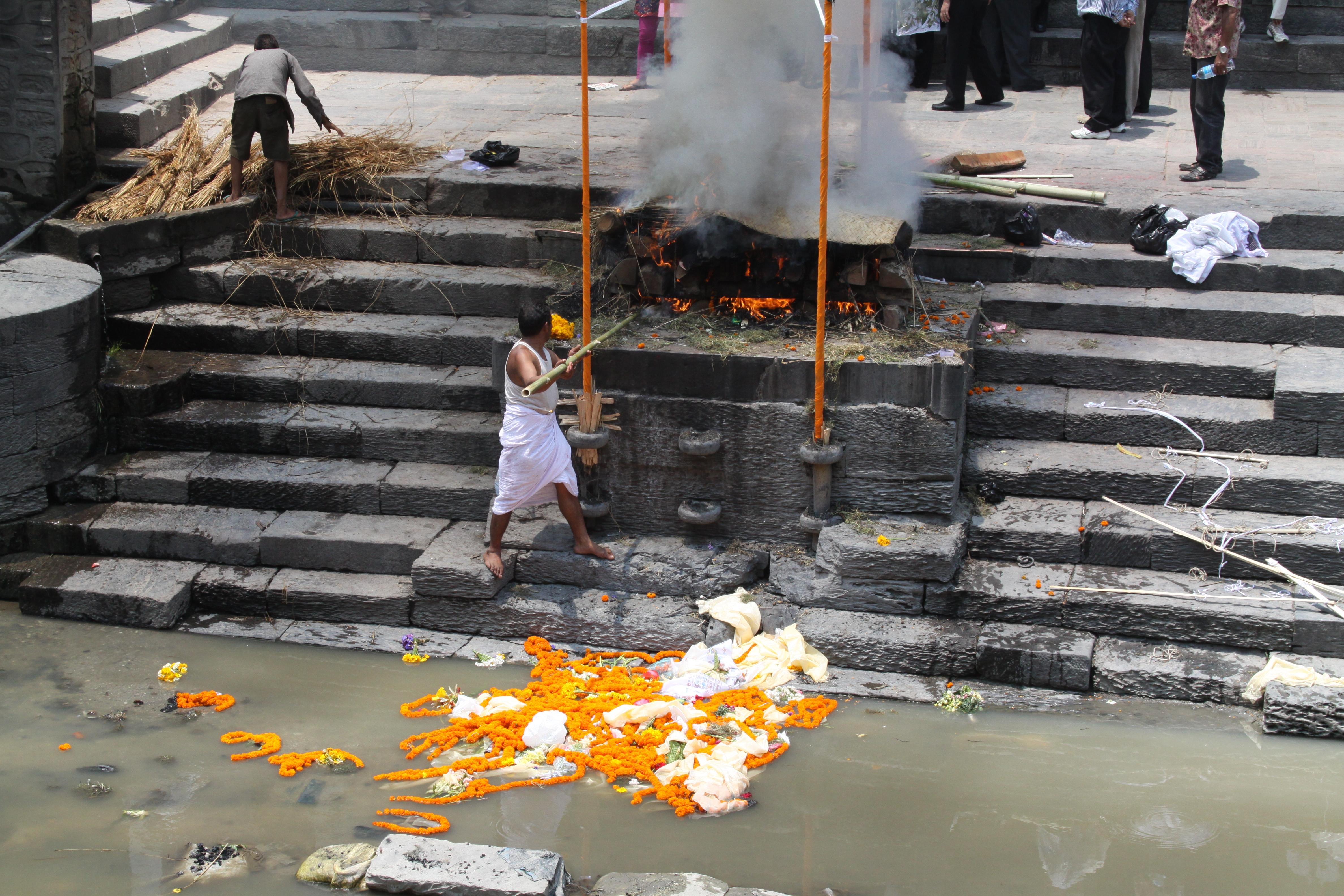 Kathmandu body burning