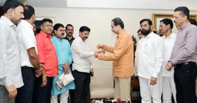 मुंबई: विधायक विलास तरे ने छोड़ा ठाकुर का साथ, थामा ठाकरे का हाथ...