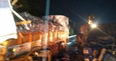 मुंबई-पुणे एक्सप्रेसवे पर ट्रक और बस में भिडंत, 3 की मौत, 16 घायल