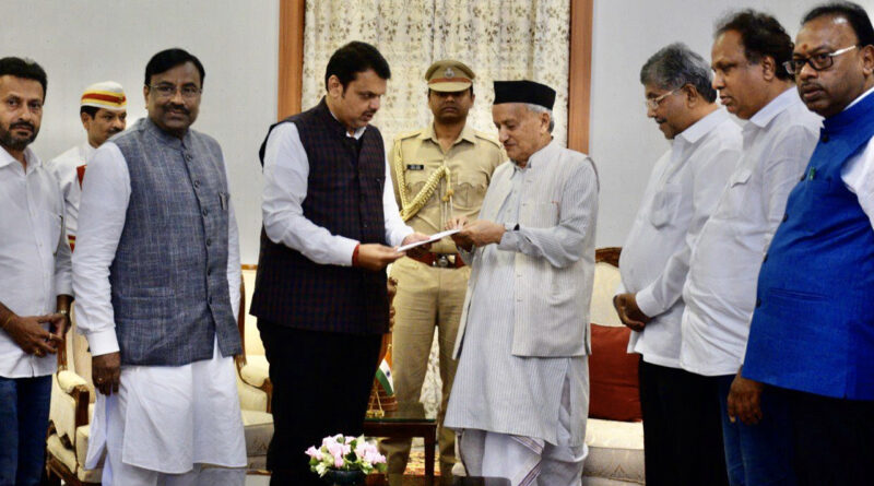 महाराष्ट्र: सीएम पद से इस्तीफे के बाद फडणवीस बोले- हमसे नहीं, एनसीपी से चर्चा करती रही शिवसेना