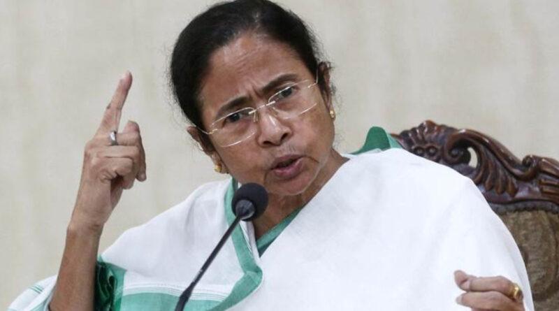 महाराष्ट्र के हालात पर CM ममता बोलीं- संवैधानिक पदों पर बैठे लोग भाजपा के प्रवक्ता बने हुए हैं...