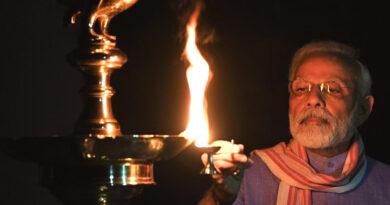 9 बजे 9 मिनट: प्रधानमंत्री समेत तमाम हस्तियों ने जलाए दीये...
