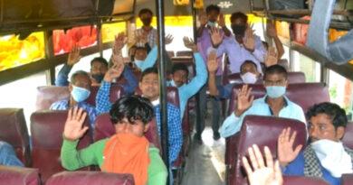 वाराणसी में फंसे बिहार के 1900 लोगों की घर वापसी, 60 बसों से भेजे गए 22 जिले के लोग