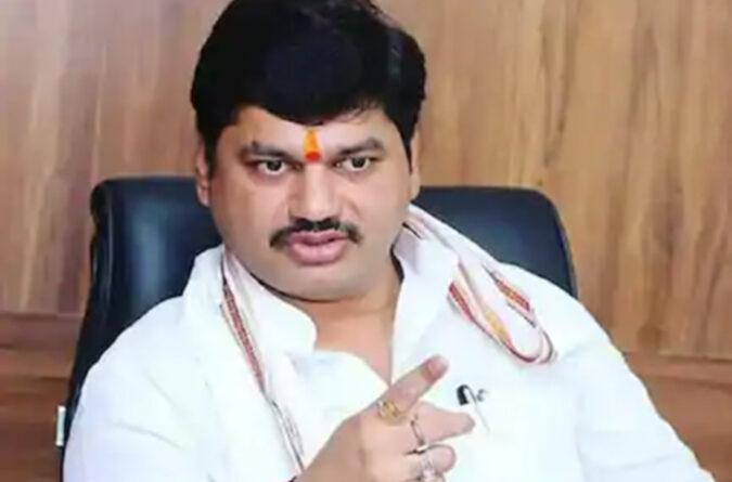 महाराष्ट्र: सामाजिक न्यायमंत्री मुंडे के खिलाफ महिला ने लगाया यौन उत्पीड़न का आरोप!