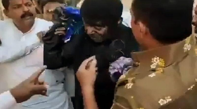 महाराष्ट्र: बीजेपी नेता से मारपीट मामले में 17 आरोपियों को पुलिस ने किया गिरफ्तार