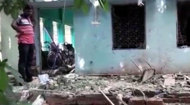 बंगाल चुनाव: पहले चरण की वोटिंग से पहले TMC दफ्तर में ब्लास्ट, कई कार्यकर्ता घायल