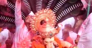 गणपति बप्पा मोरया, अगले बरस तू जल्दी आ...