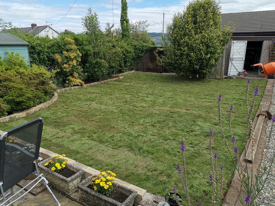 garden maintenance welshpool