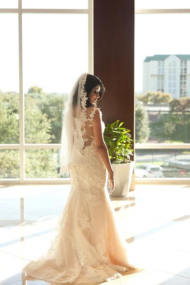 Desigener Lace back wedding dress