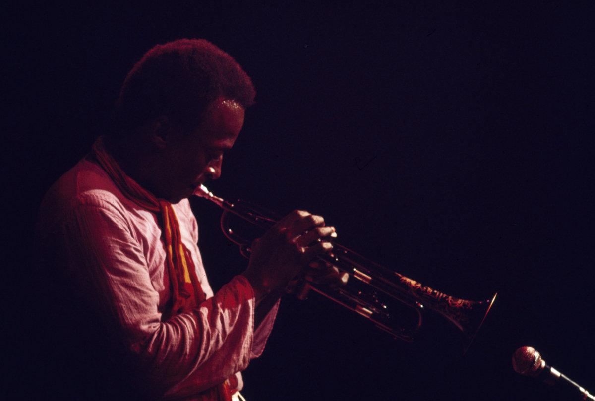 Miles Davis y «In A Silent Way». La música del silencio (I)