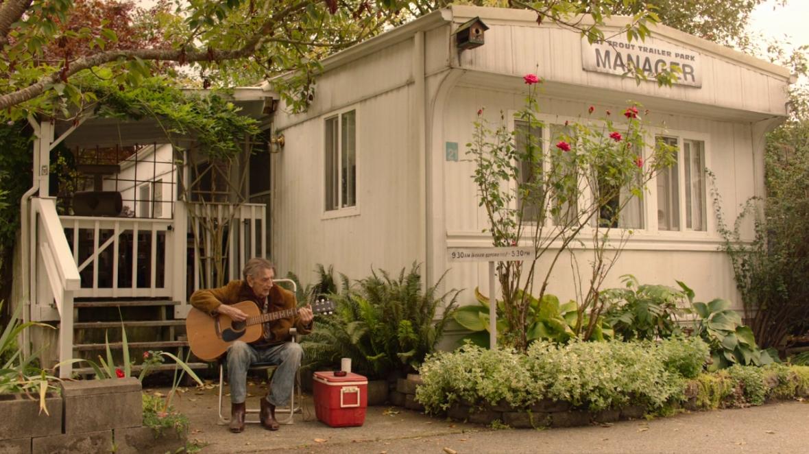 Twin Peaks. Temporada 3. Episodio 10: Albert Rosenfield in love