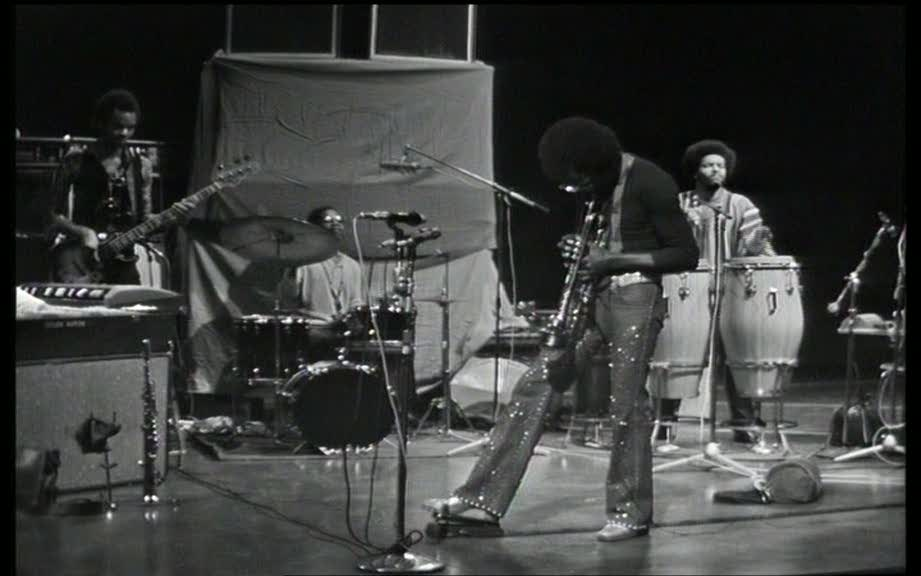 Miles Davis. «On the Corner», gran oda al ritmo (III)