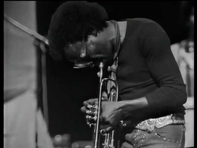 Miles Davis. «On the Corner», gran oda al ritmo (V)