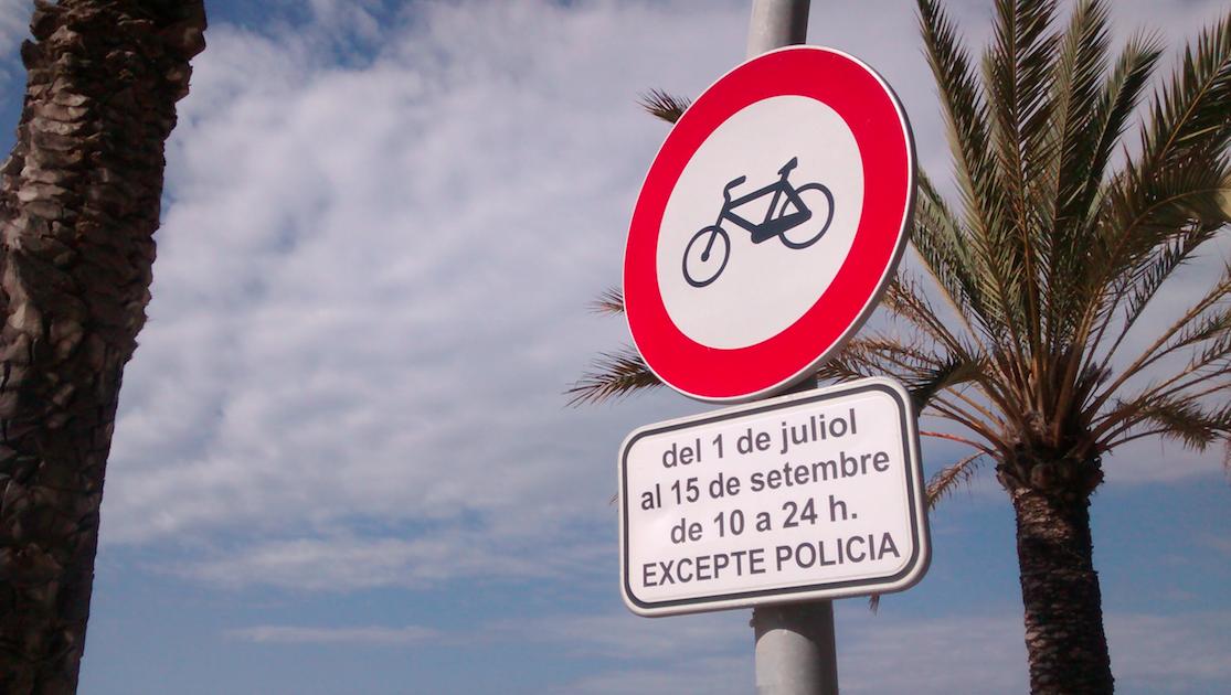 Un verano azul, pero sin bicicletas en Calafell