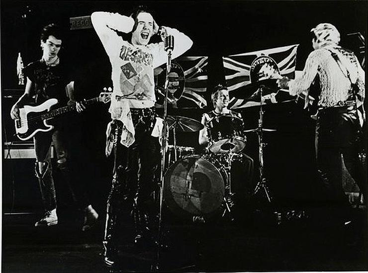 «God Save the Queen», los Sex Pistols y la bomba atómica (II)