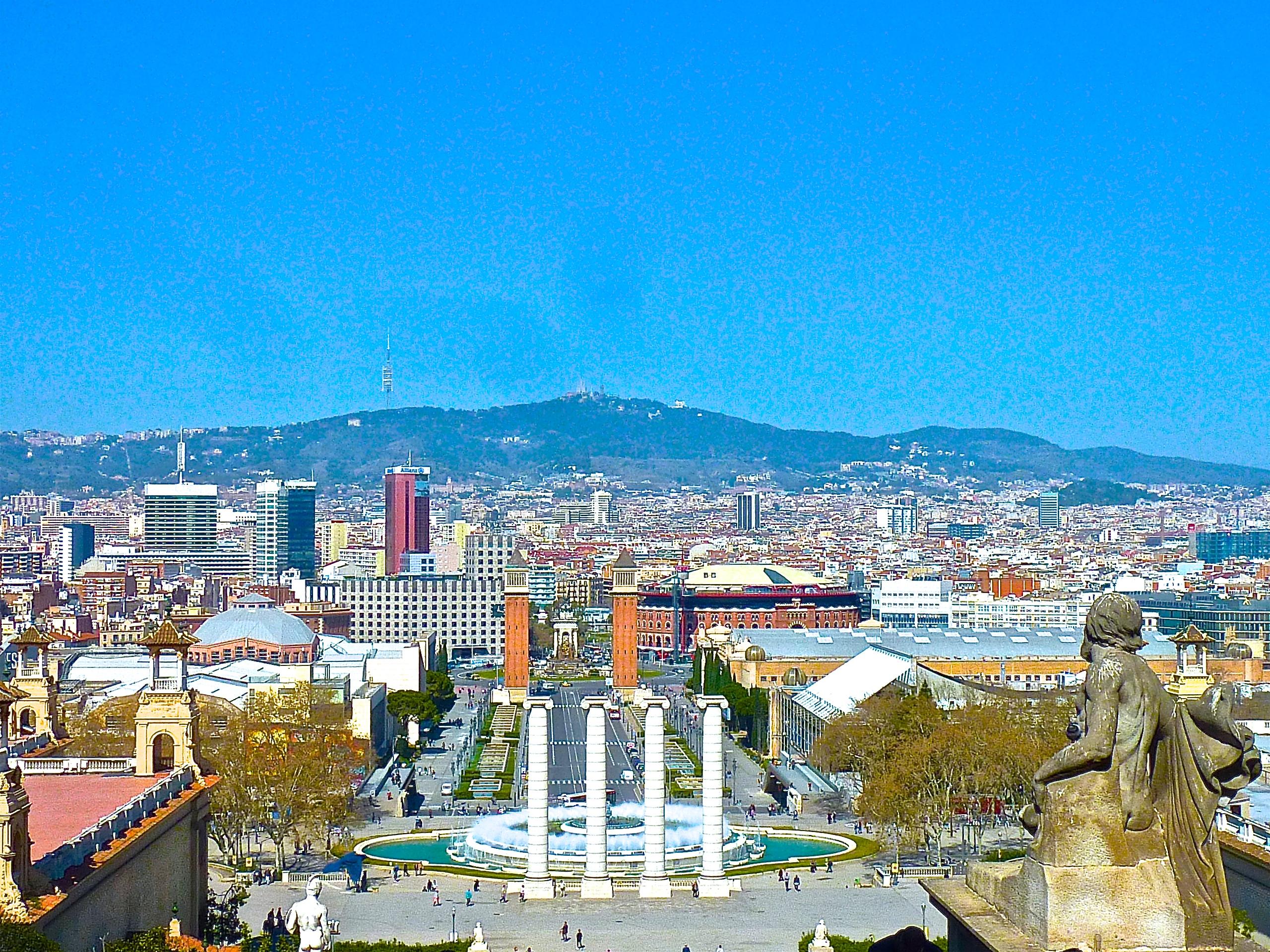 Barcelona, ciudad cateta: ¡cuidado al cruzar!