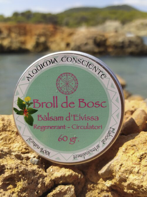 Es un producto natural elaborado artesanalmente con tres potentes plantas medicinales recolectadas en Ibiza beneficiosas para mejorar la circulacion, piernas cansadas, protege y sana tu piel