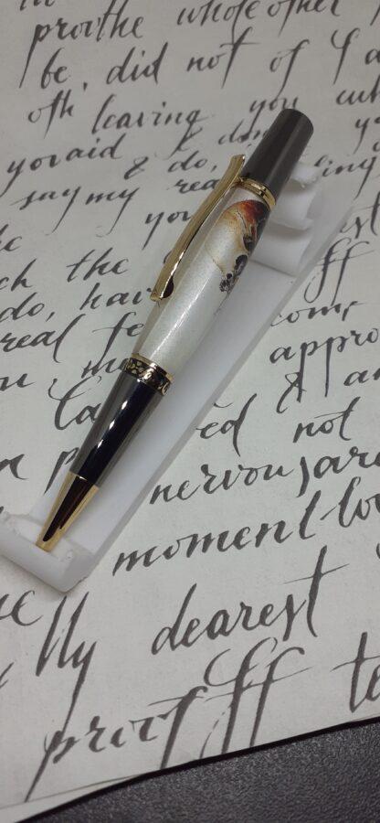 skull carriage pen